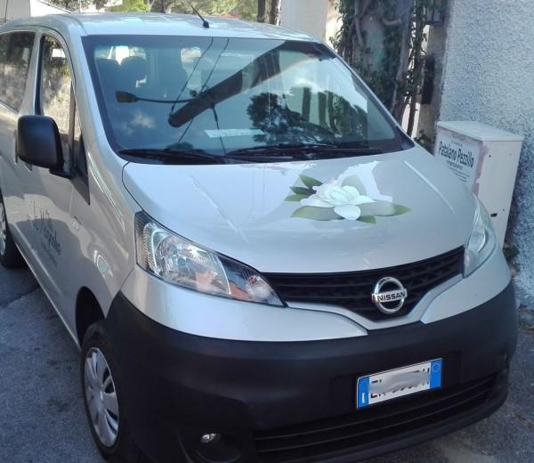 Personalizzazione auto per B&B Le Magnolie